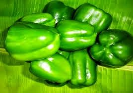 குடைமிளகாய் சட்னி - green capsicum chutney - kudai milakaai satni முதலில் ஒரு வாணலியை அடுப்பில் வைத்து, அதில் உளுத்தம் பருப்பு சேர்த்து பொன்னிறமாக வறுத்து