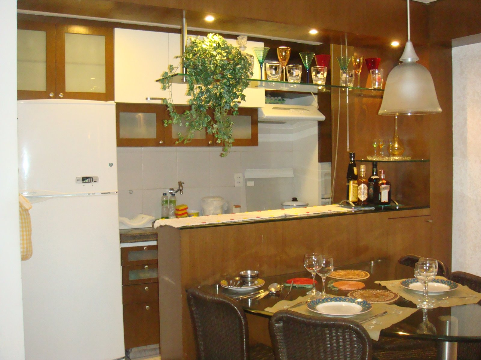 Senhora Justo! Casa nova vida nova!: Cozinhas americanas! #6F441B 1600 1200