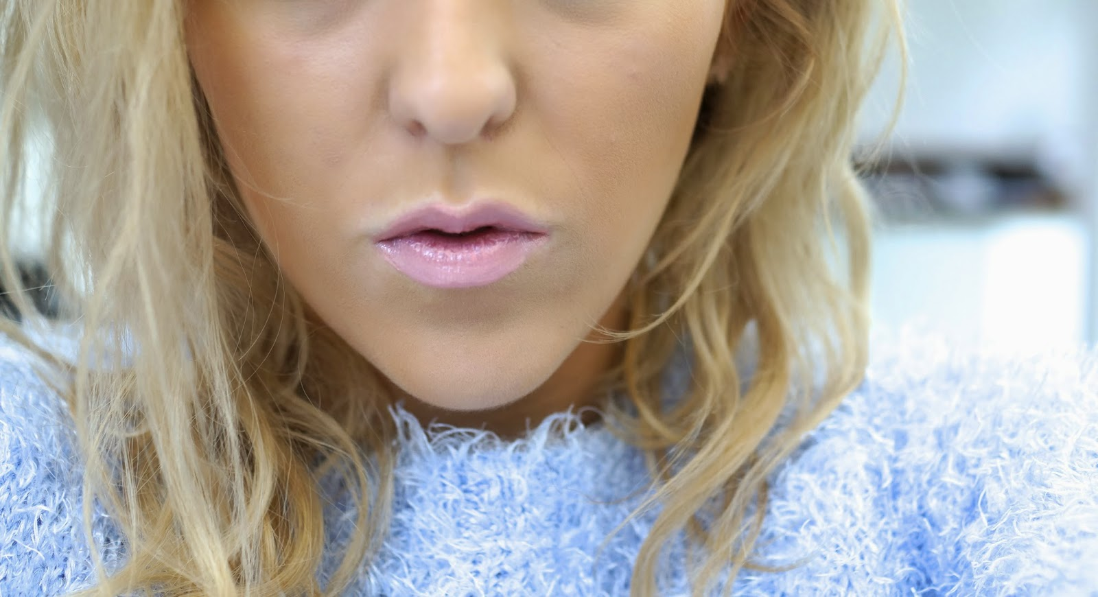 tanya burr lipgloss in just peachy