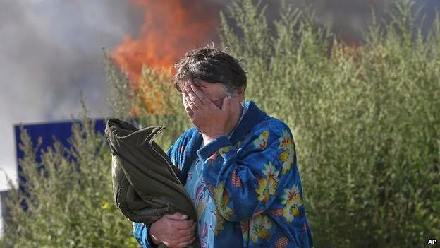 Người dân Ukraine khóc dở, mếu dở với quê hương của mình