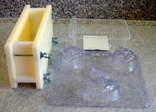 schaumwerk vom schaumzwerg handgesiedete seife und mehr anleitung seife selber machen. Black Bedroom Furniture Sets. Home Design Ideas