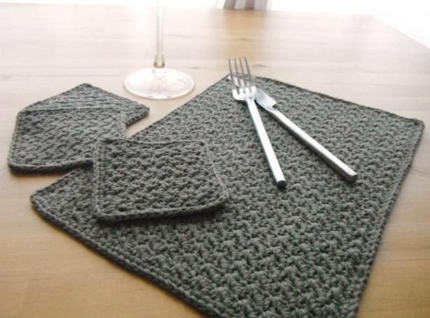 Crocheting Placemats : set crochet celtic placemat crochet apple blossom placemat crochet ...
