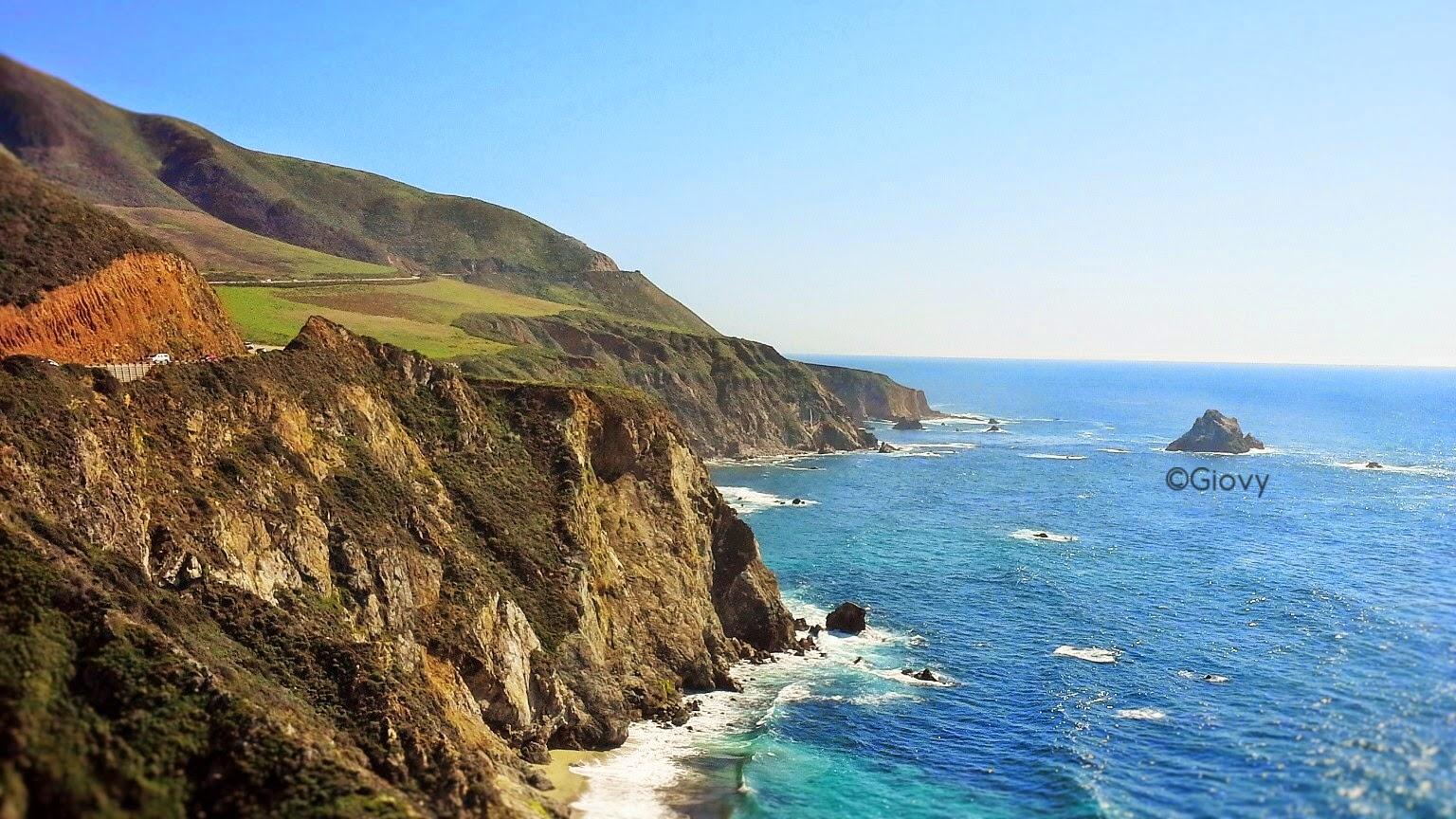 Viaggiare on the road in California