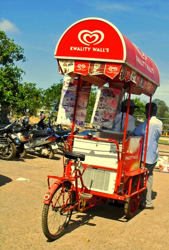Kwality Walls ice-cream cart