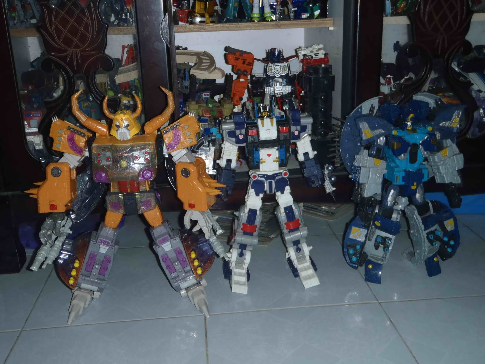Transformer Unicron Vs Primus From left  unicron  metroplexUnicron Vs Metroplex