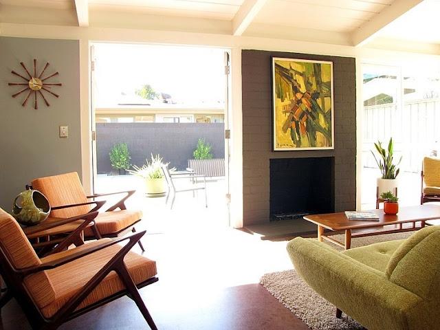 Saniertes Haus im frischen 60er Jahre Stil mit George Nelson Design