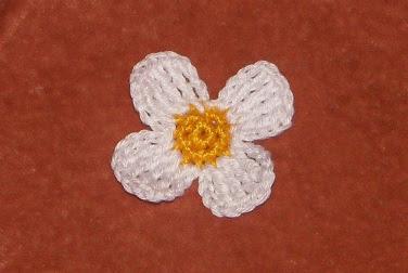 Вязаный цветок клубнички крючком схема описание