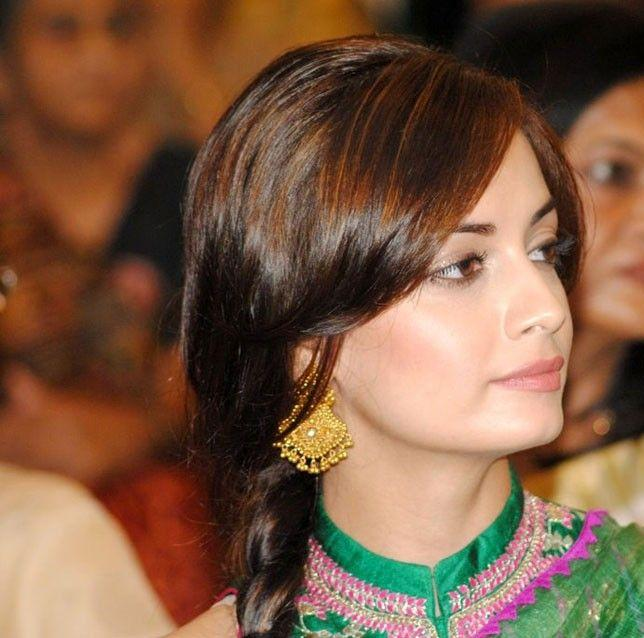 dia mirza in green saree hd glamour  images