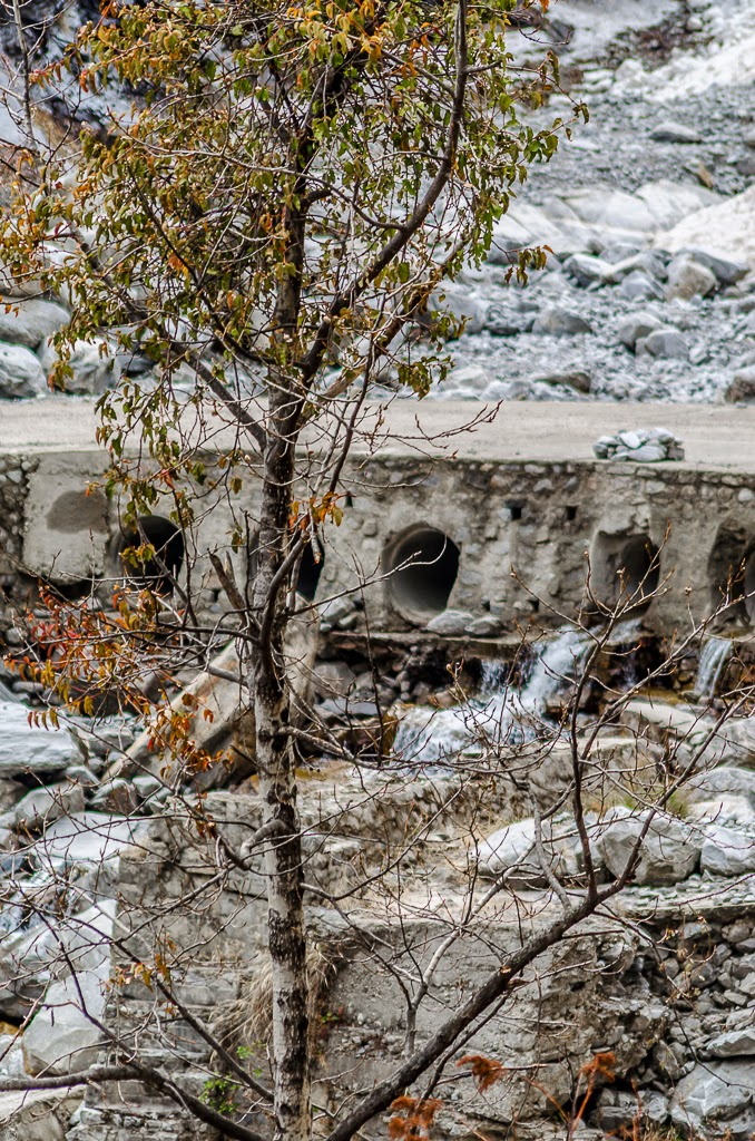 glacial river in uttarakhand, budgetyatri