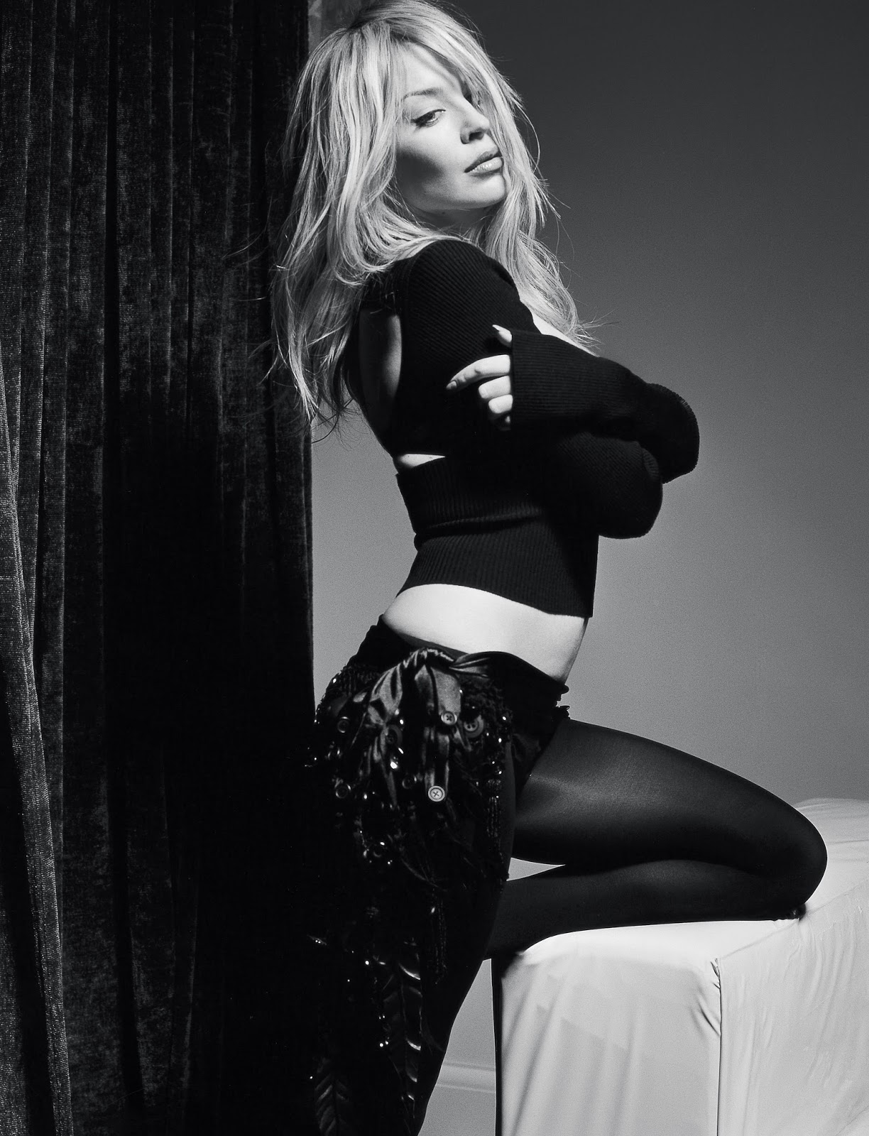 minogue-black-and-white-wall