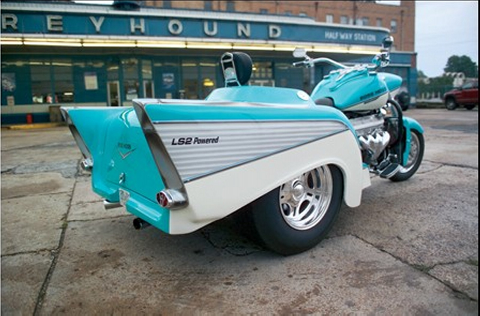 Boss Hog Motorcycle Trikes : Motorcycle pictures boss hoss bhc ls