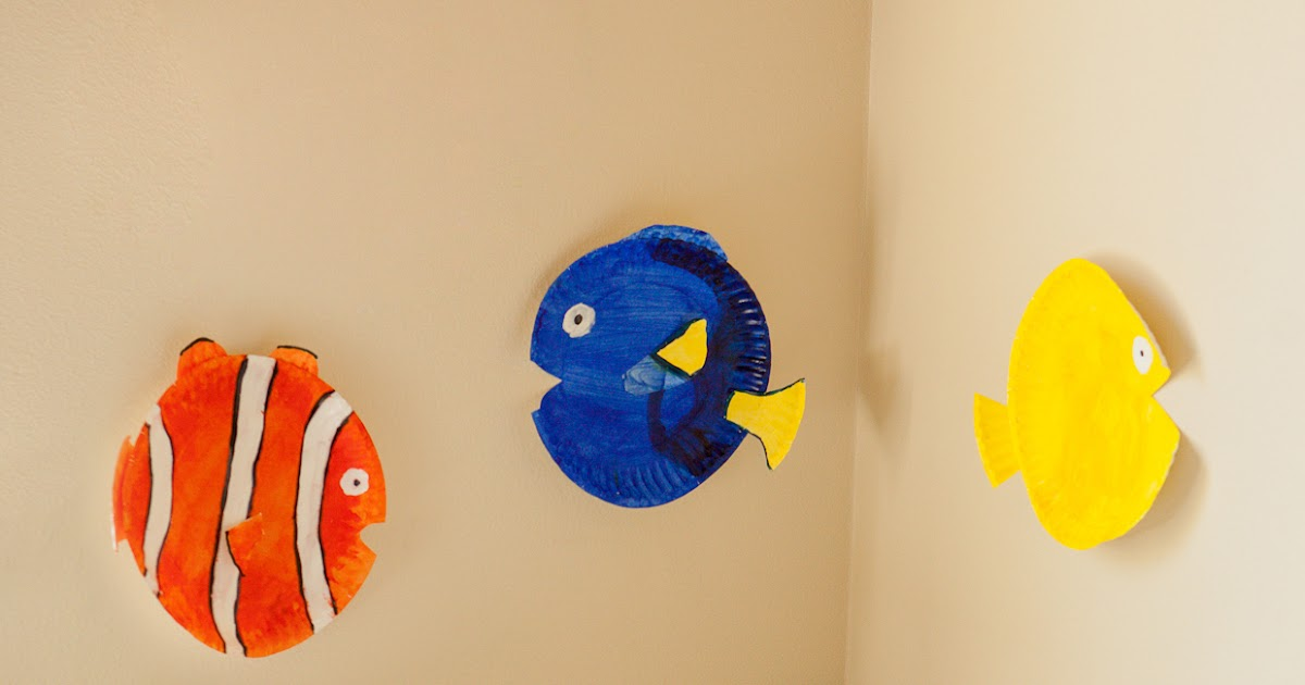 Mommy Minutes: Paper Plate Fish