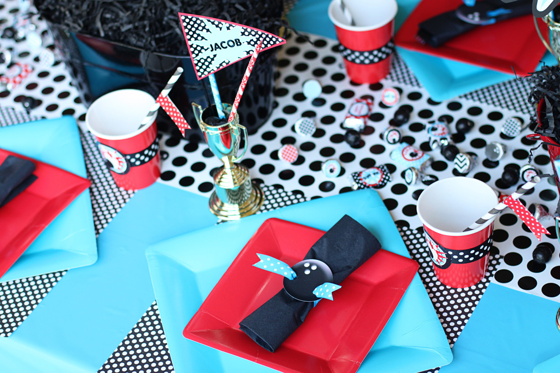 Thursday March 22 & Amandau0027s Parties To Go: Bowling Party - Party Table