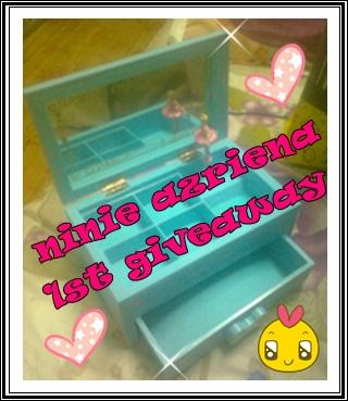 """ ninie azriena 1st giveaway: kau muzik dihatiku """