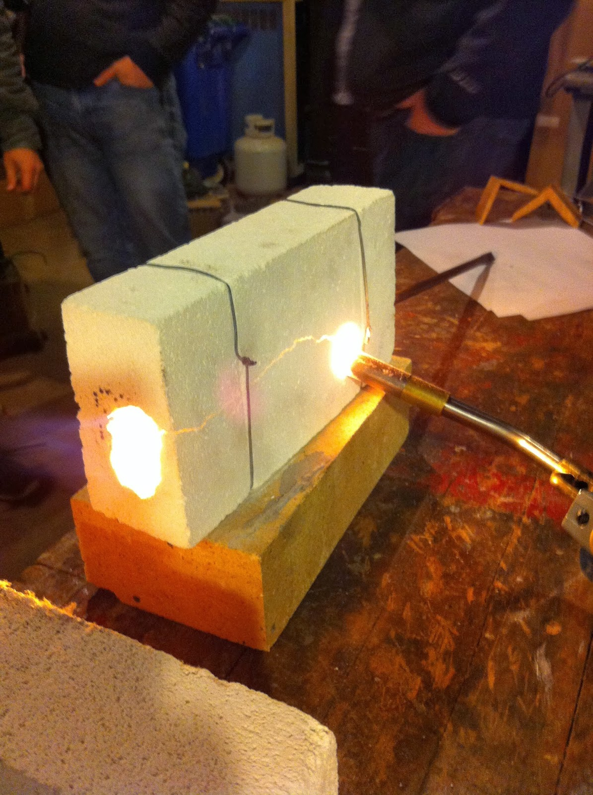 How to build a fire brick mini forge construction and for Diy brick projects