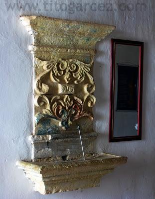 Detalhe da pia da sacristia da igreja Nossa Senhora do Rosário dos Homens Pretos, em São Cristóvão - Sergipe - Por Tito Garcez