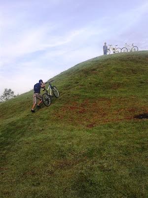 Menuju puncak bukit