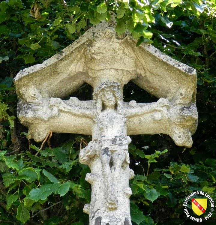 ATTIGNEVILLE (88) - Croix de chemin (XVIe)