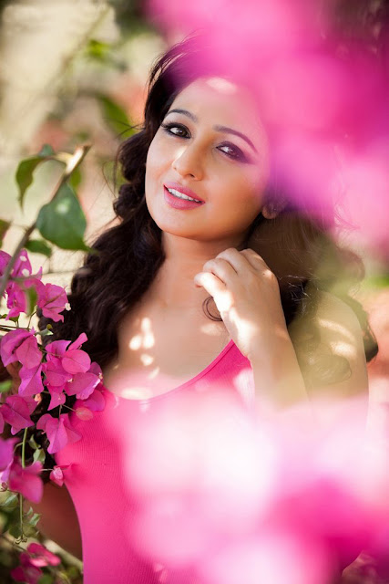 Actress Aavaana Photoshoot