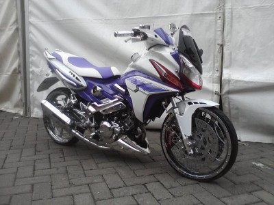 Modifikasi Motor Honda CS 1