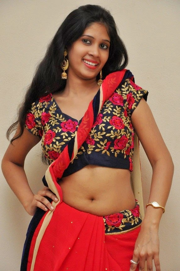 actress om sizzling photos in saree-HQ-Photo-15