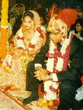 Shahrukh Khan Gauri Wedding Marriage Shah Rukh Wife Photobollywood Actor Sharukh PhotosSharukh AlbumSharukh