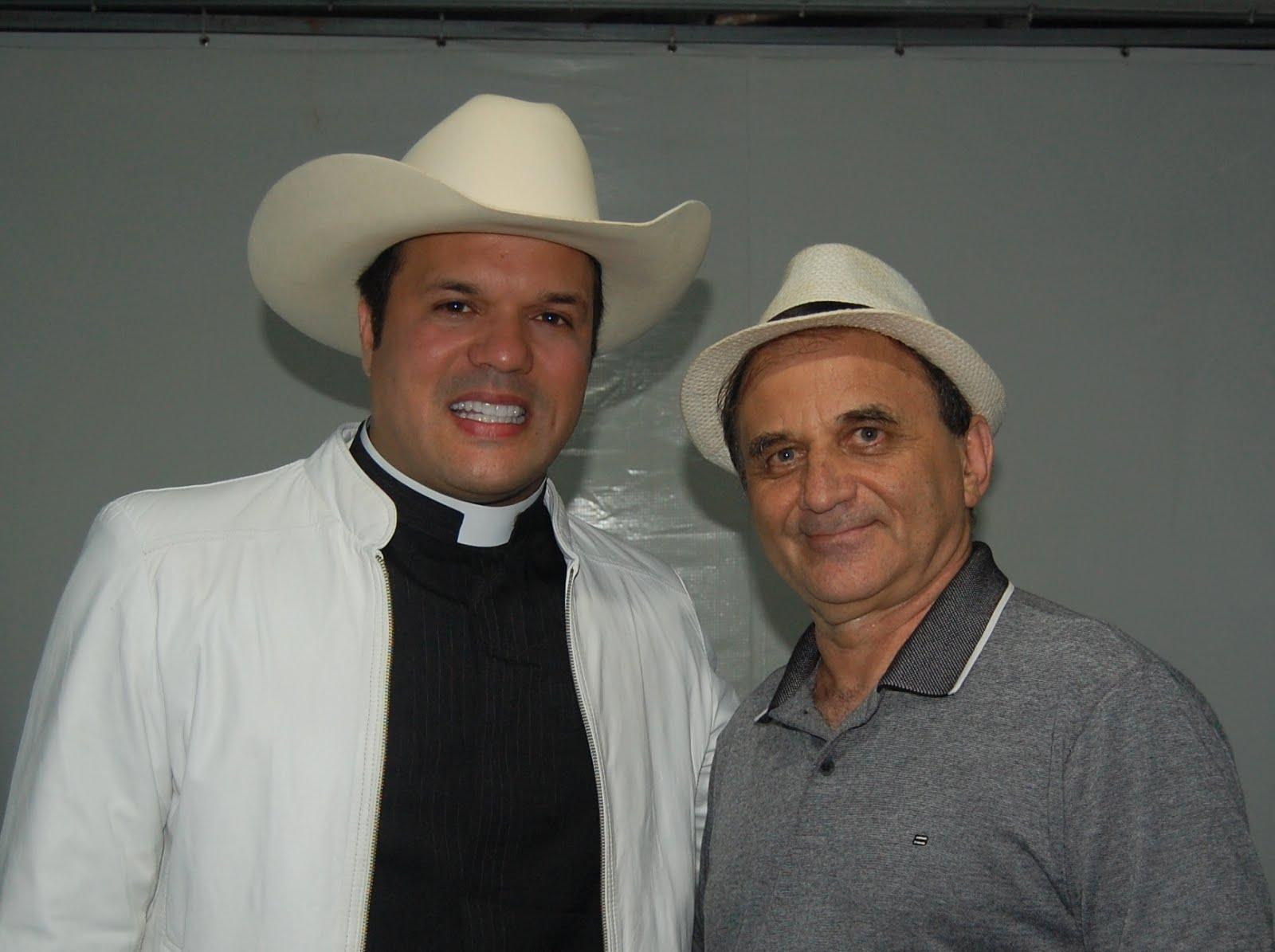 Airton Engster dos Santos e Padre Alessandro Campos