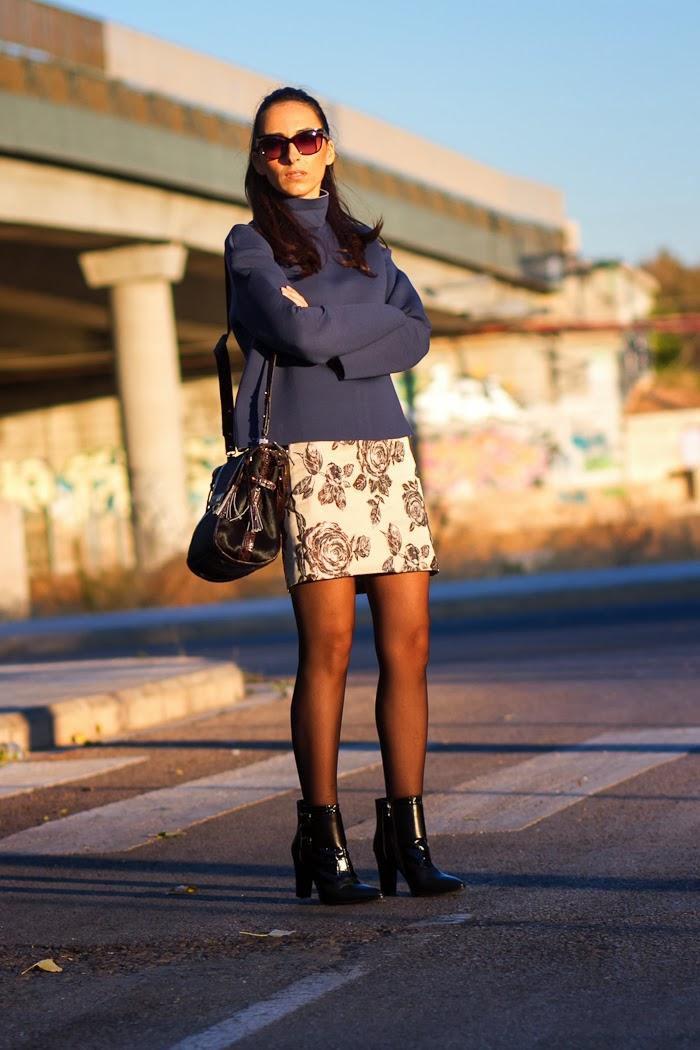 Streetstyle con top de neopreno y falda de flores de Front Row Shop