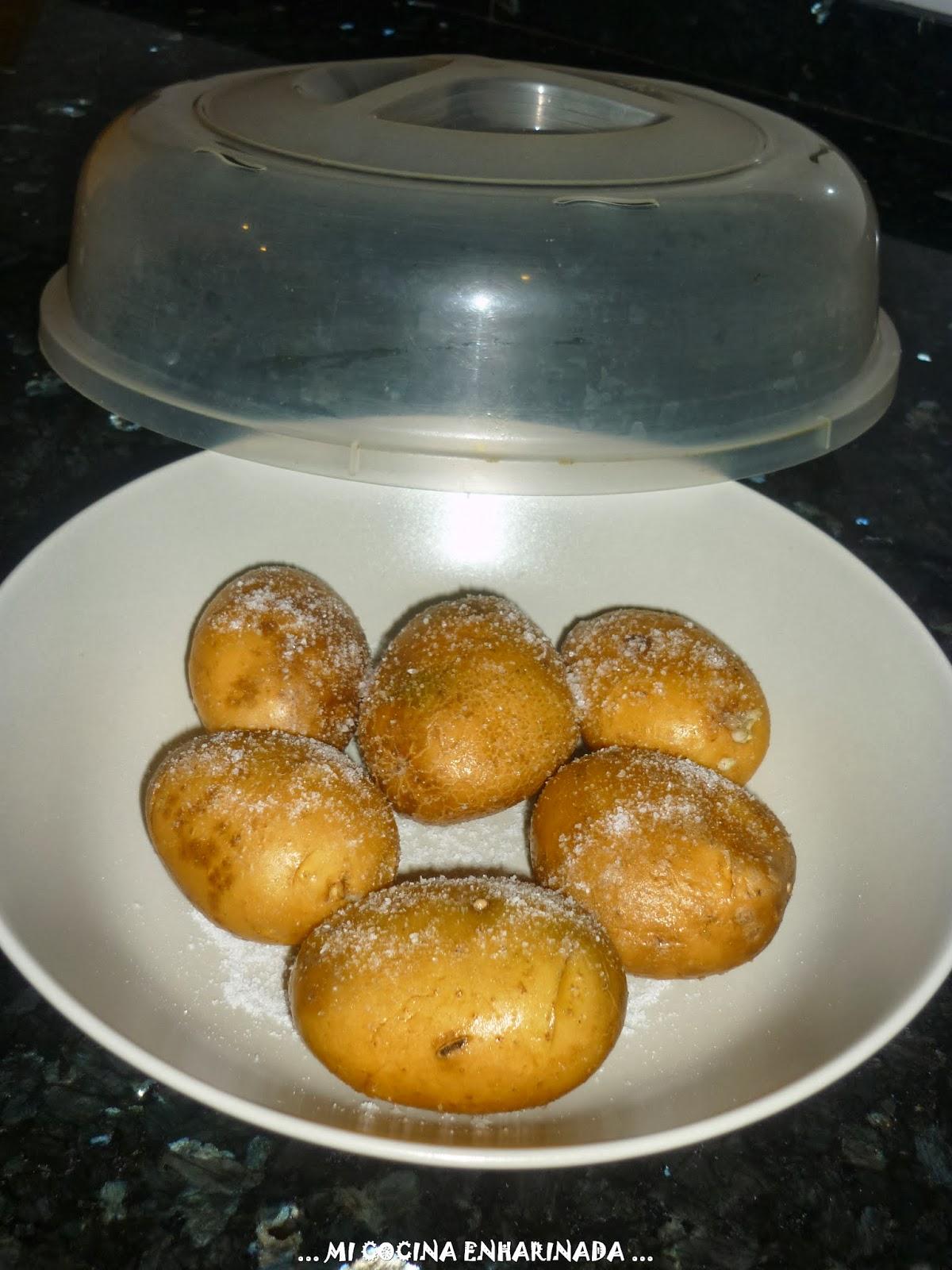 Mi cocina enharinada patatas asadas al microondas for Cocina al microondas