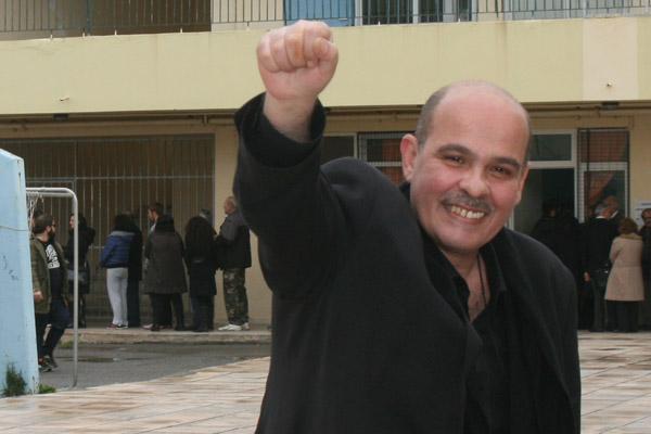"""""""Μην ακούω μ@λ@κίες! O κόσμος να μην διαμαρτύρεται αφού εκείνος μας ψήφισε και ήξερε ότι ψηφίσαμε το μνημόνιο και θα φέρναμε μέτρα"""" λέει ο συριζαίος (ακόμη;) Μιχελογιαννάκης"""