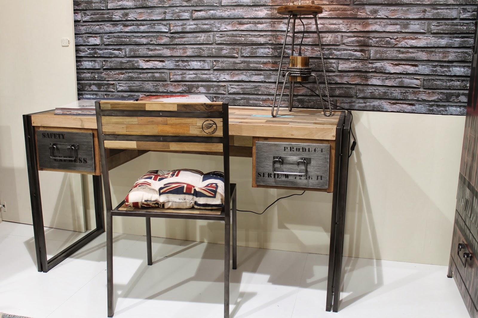 Icono interiorismo icono visita la feria del mueble de for Escritorio industrial vintage