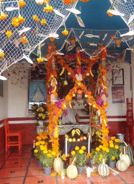 Ofrenda de Día de Muertos en el Lago de Pátzcuaro en el Muelle de San Pedrito