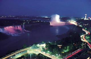 Niagara Falls (Best Honeymoon Destinations In USA) 6