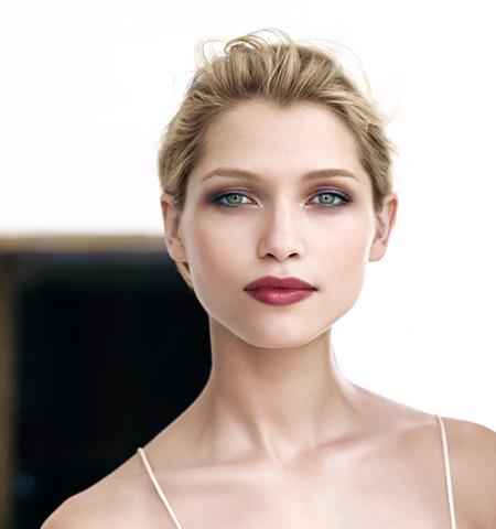 Професионален грим от Кларинс - Грим опушени очи Clarins Rouge Eclat