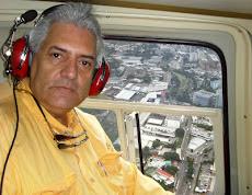 Sobrevolando en helicóptero  la Universidad Nueva Esparta