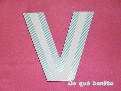 Letra V decorada con washi tape