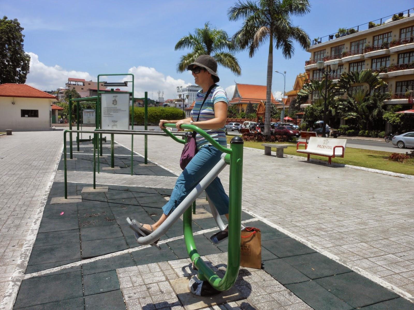 leg swinging machine