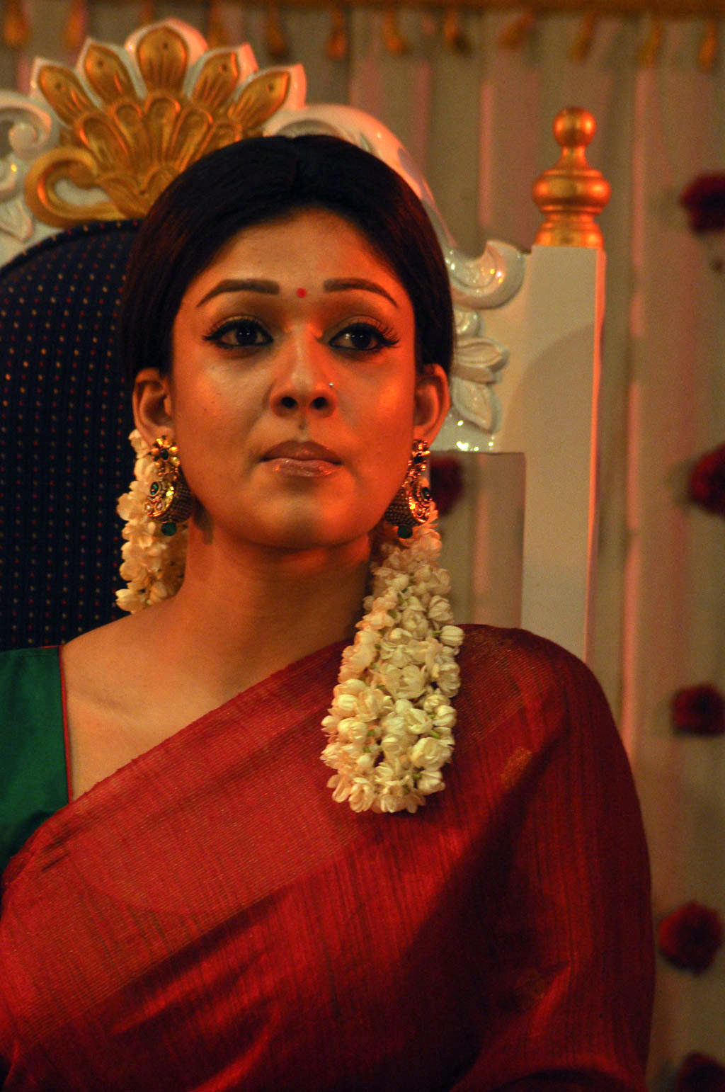 Nayantara Latest 2016 Photos In Hot Spicy Red Saree