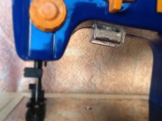 maquina de costura  com luz