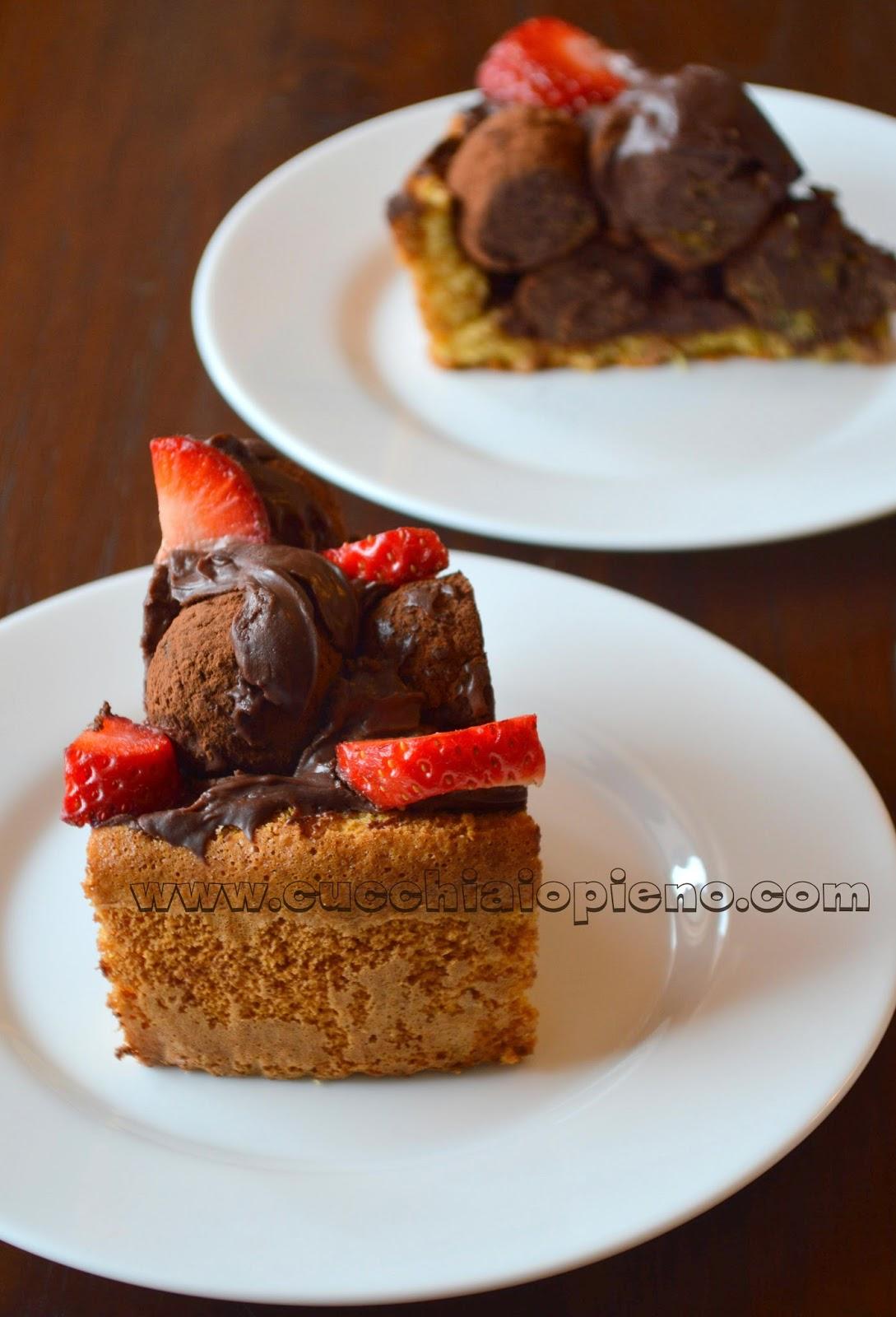 bolo de aniversário de chocolate e morango