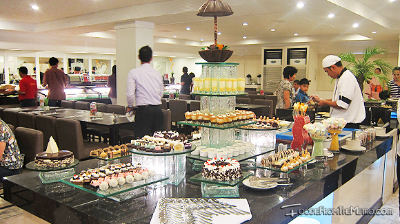 Foodie from the Metro - DADS Saisaki Kamayan Desserts Station