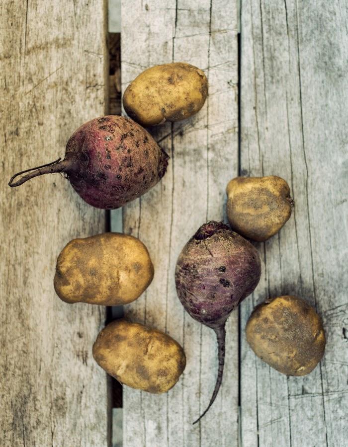 beetroot potatoes blog: www.gretchengretchen.com photo: www.kreettajarvenpaa.com