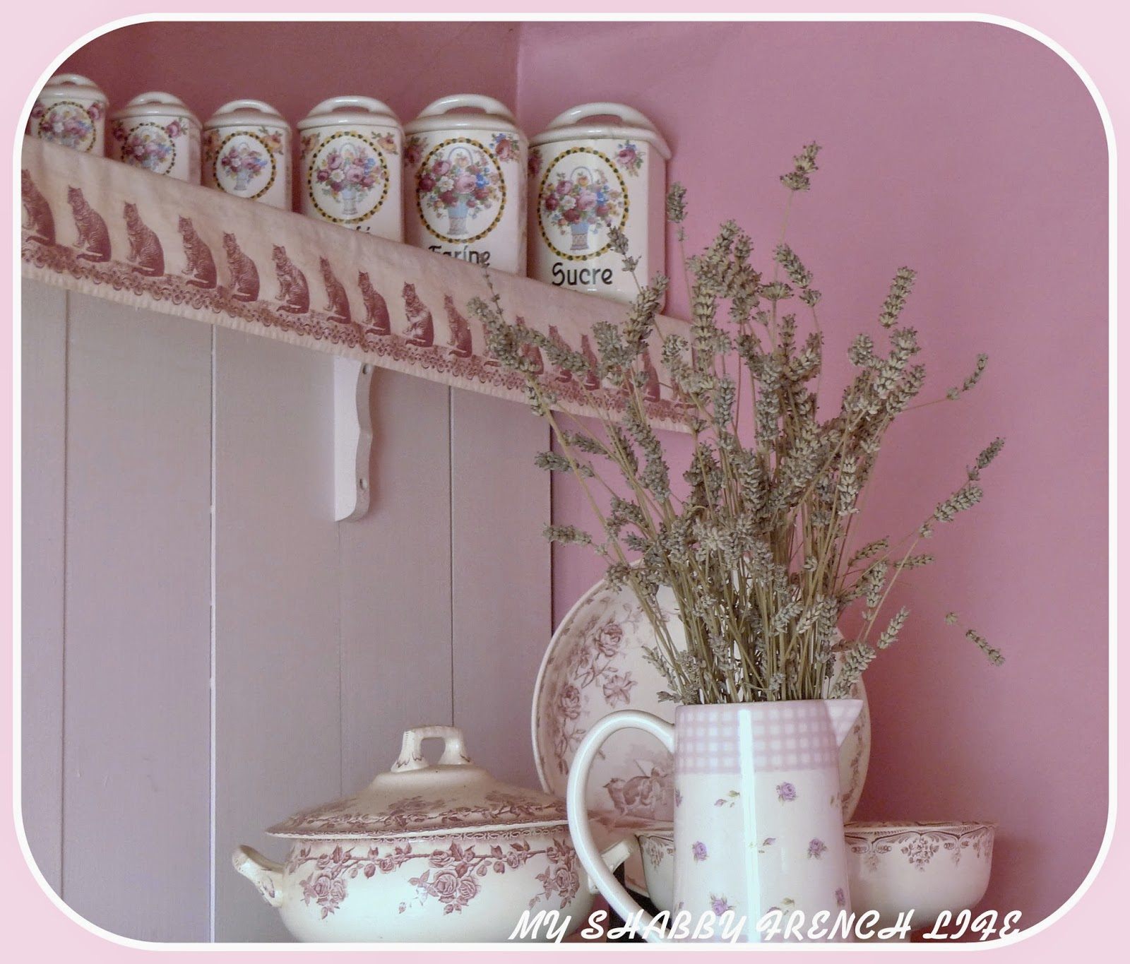 my shabby french life ambiance shabby pink. Black Bedroom Furniture Sets. Home Design Ideas