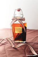 http://www.mabeyshemadeit.com/make-vanilla-extract/