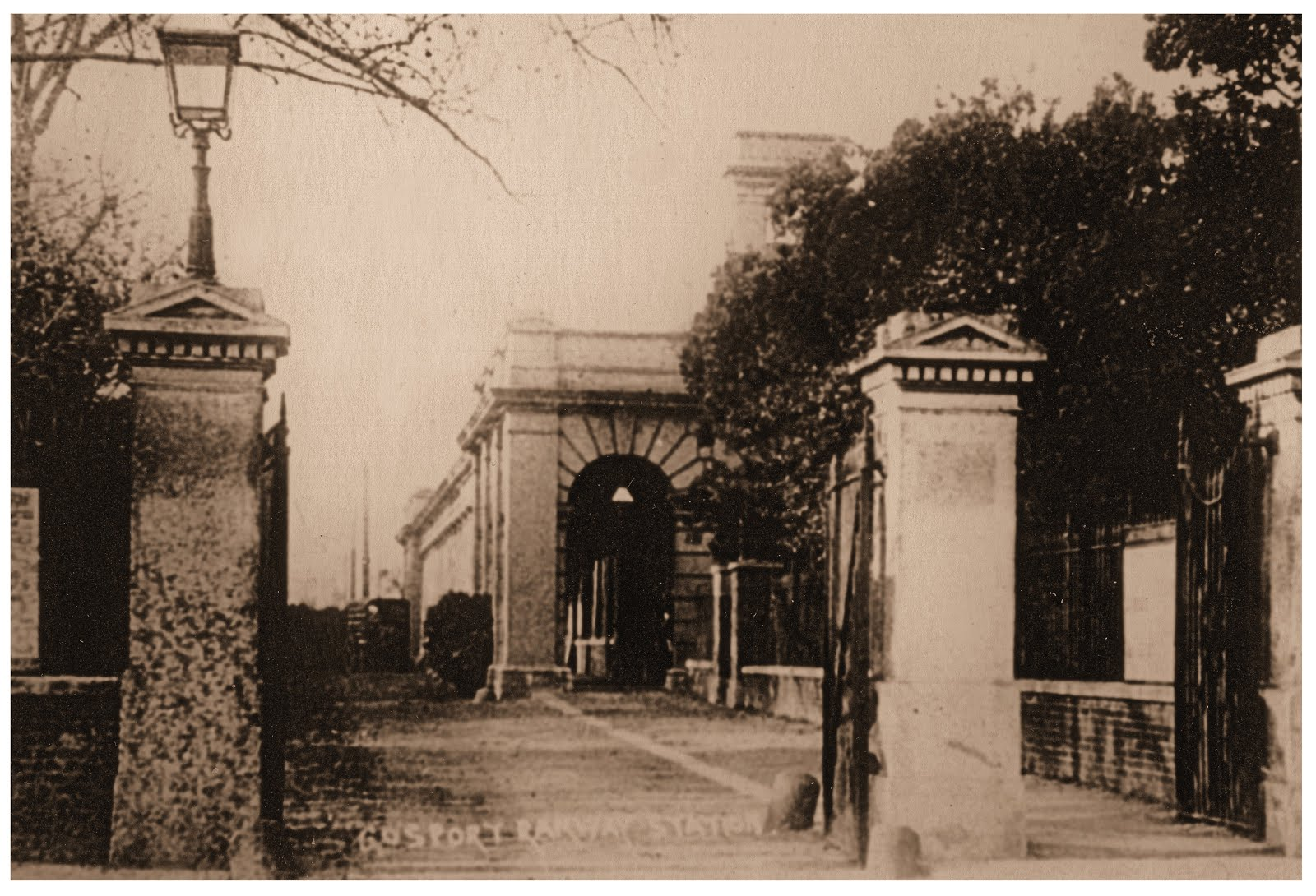 Gosport Station 1930s