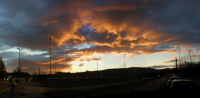sunset, naplemente, felhők, clouds, red, piros, napnyugta, Auchan, Óbuda, hipermarket, Budapest, Szentendrei út, III. kerület, vicces