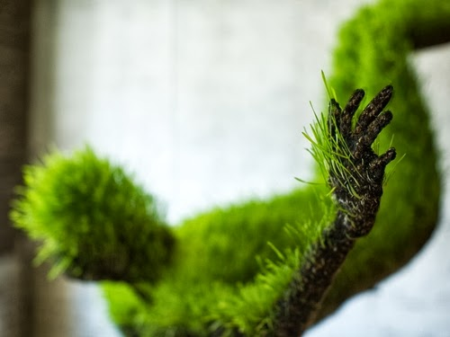 03-Mathilde-Roussel-Paris-Cycle-Of-Life-Lives-of-Grass-Soil-Wheat-Seeds-Recycled-Metal-&-Fabric-www-designstack-co