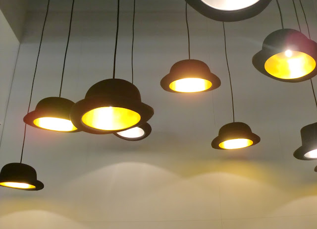 Hut-Lampen bei Gloster