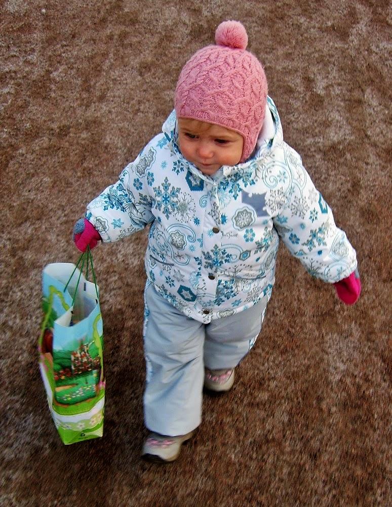 Зимний комплект для девочки со снежинками