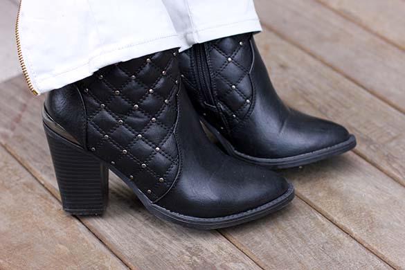 Shoedazzle Indigo Booties in Black